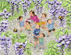 満開の藤棚の下を通ると甘い香りに誘われてクマバチがブンブン飛んでいた